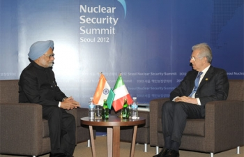 The Prime Minister, Dr. Manmohan Singh meeting the Prime Minister of Italy, Mr. Mario Monti
