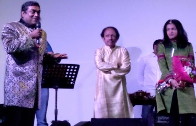 Grand Musical Concert with Maestro L Subramaniam , Ambi Subramaniam, Kavita Krishnamurthy ,Bindu Subramaniam e Troupe